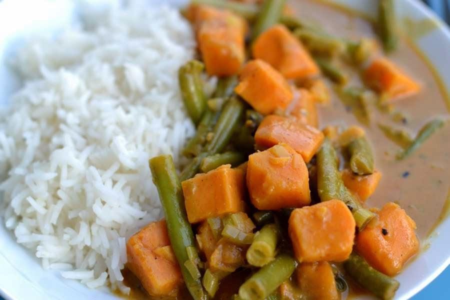 Suesskartoffel-Bohnen-Curry