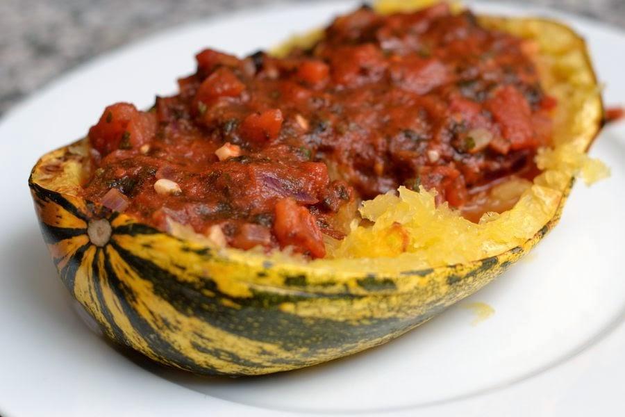 Kurbis Projekt 6 Spaghettikurbis Mit Veganer Tomatensosse Frutti Di