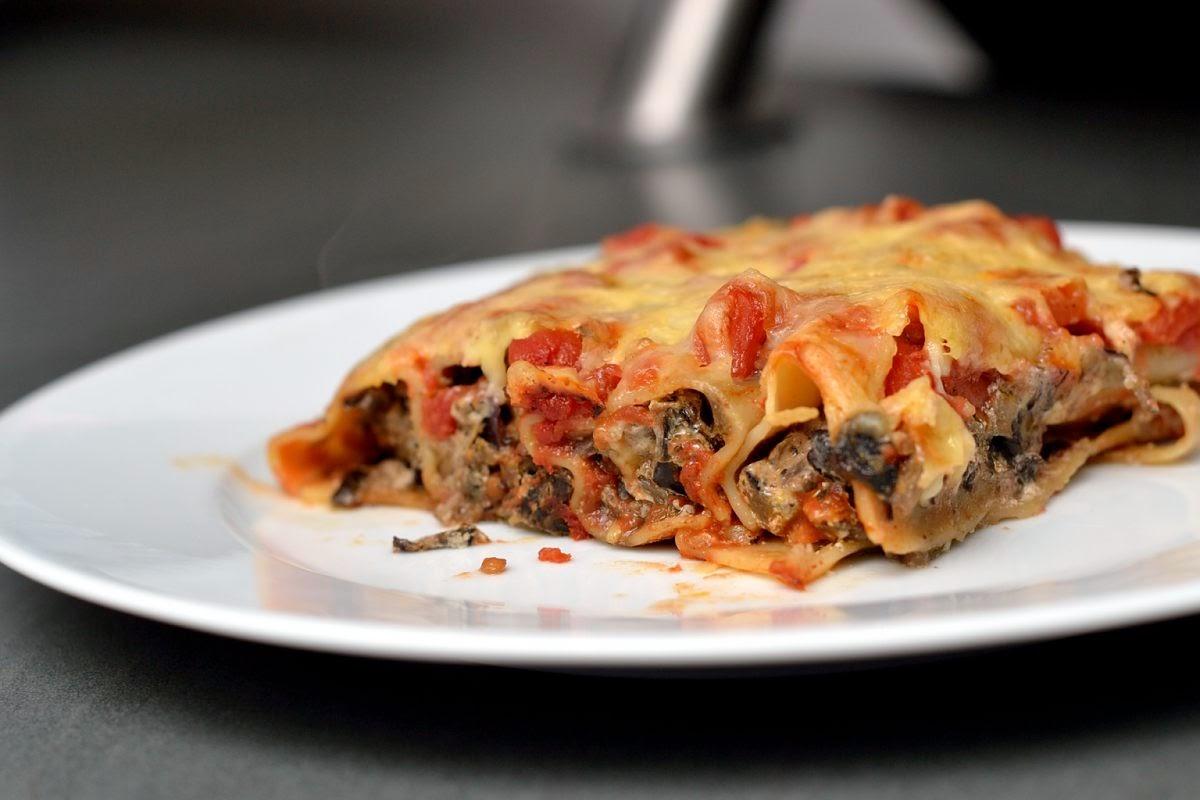 Überbackene Cannelloni mit Auberginen-Ricotta-Füllung