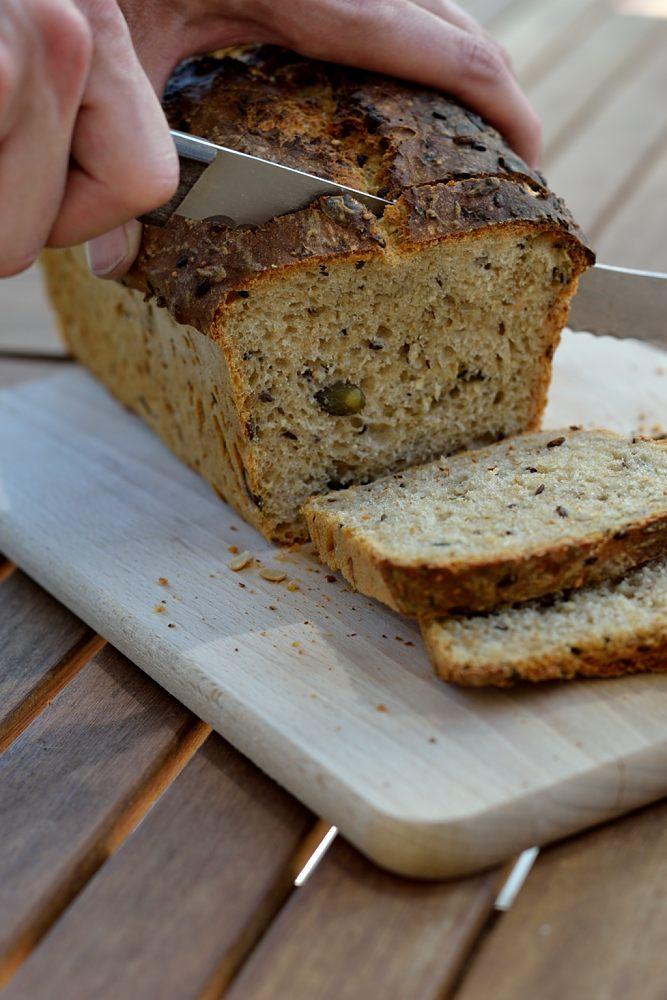 Dinkel-Saaten-Brot