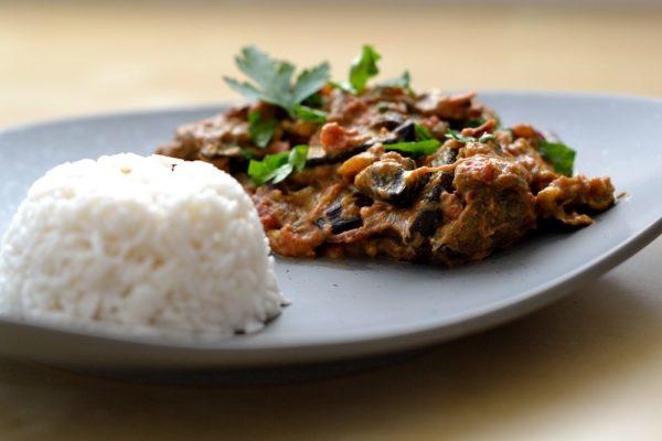 Indisches Auberginen-Curry Baingan Bharta