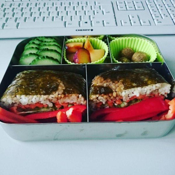 Onigirazu vegan Bento Lunchbots