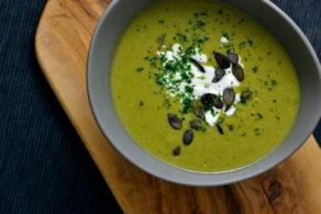Brokkoli-Erbsensuppe vegan