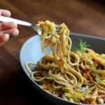 Spaghetti mit karamellisiertem Fenchel, Karotten und Ziegenfrischkäse