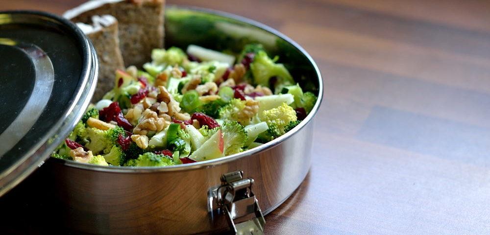 Brokkoli roh Salat vegan