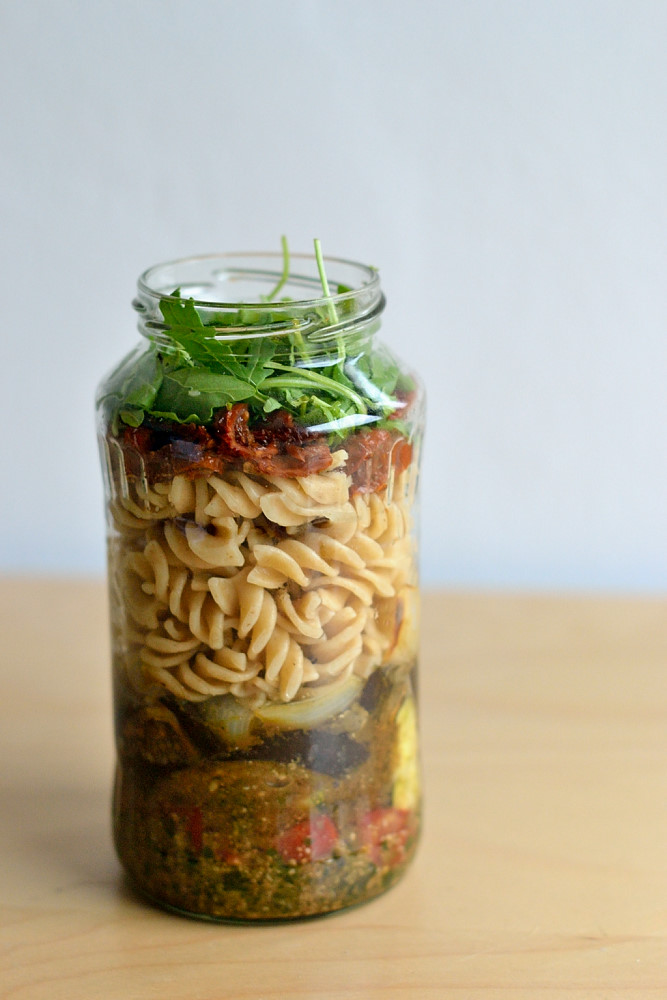 Nudelsalat mit Grillgemüse und Pesto