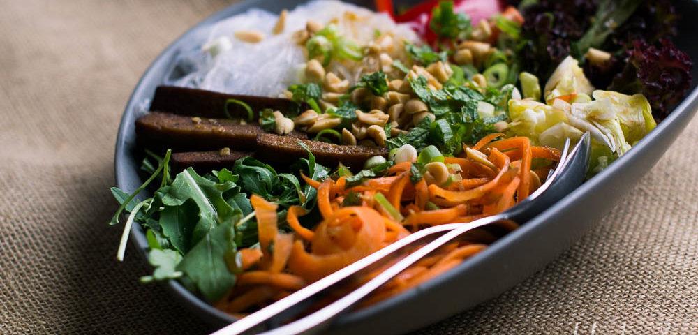 Vietnamesicher Glasnudelsalat vegan