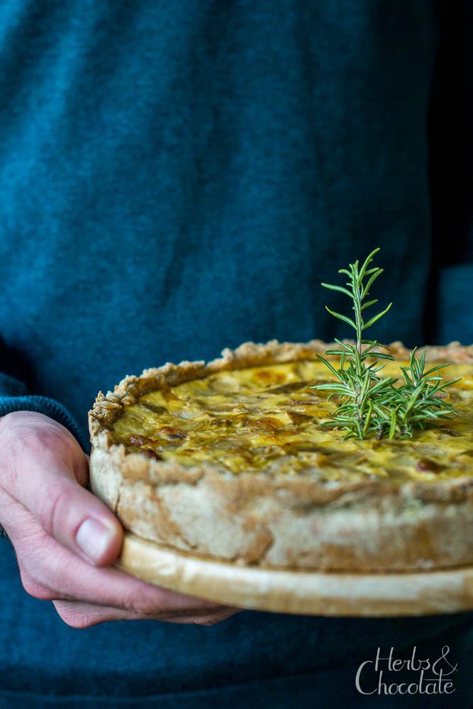 Chicorée-Quiche mit Birne und Camembert