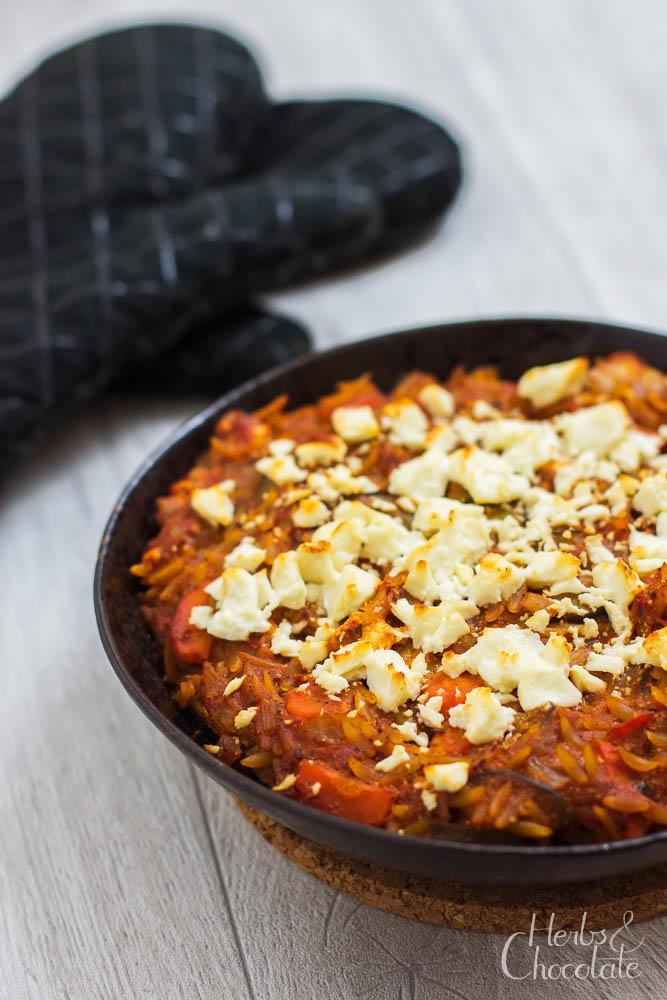 Überbackene Kritharaki mit Gemüse und Feta