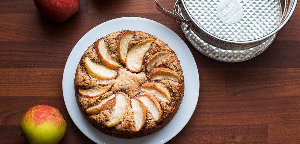Veganer Nuss-Apfelkuchen